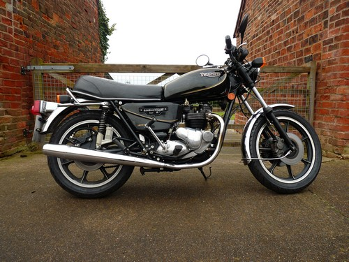 Triumph T140 Bonneville Royal Wedding